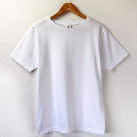 ゆったり首まわり、すっきりシルエットの大人Tシャツ_ホワイト