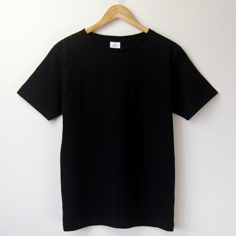 ゆったり首まわり、すっきりシルエットの大人Tシャツ_ブラック