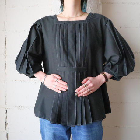 Balloon Sleeve Pleated Blouse BK