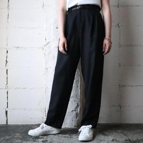 Basic Tuck Pants BK