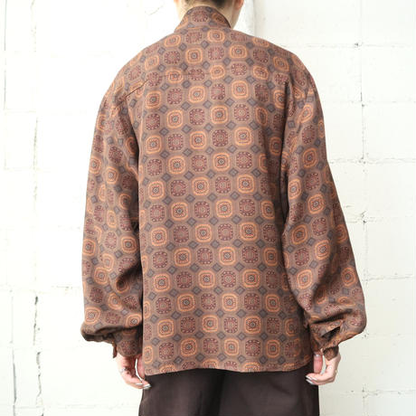Arabesque Pattern Stand Collar Blouse BR