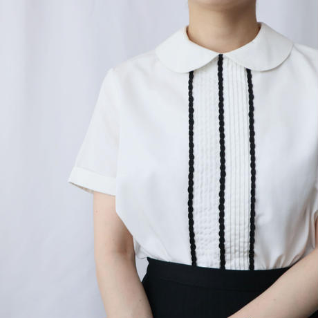 60's EURO Pin Tuck × Line Round Collar Blouse WH