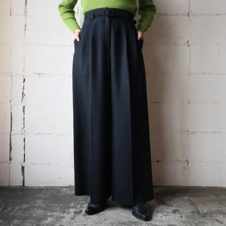 Wide Tuck Pants BK