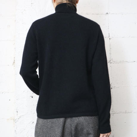 Cashmere Turtle Neck Sweater Bk