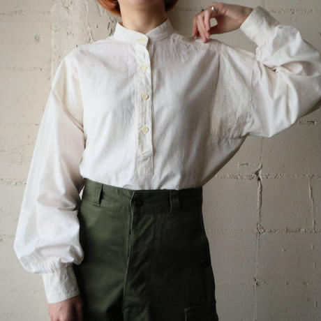 Band Collar Embroidery Blouse WH