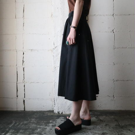 V Design Studs  Flared Skirt BK