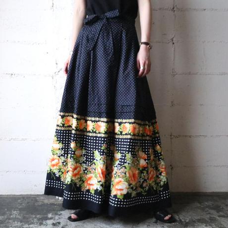 Dot × Flower Pattern Flared Skirt NVOR