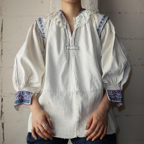 European Embroidery Blouse BL