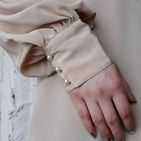Stand Collar Pleated Blouse BE