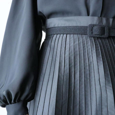 Pin Tuck Flared Silk Skirt BK