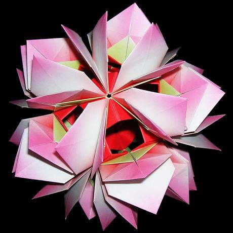 折り紙で作るくす玉の折り図「ウシャス」