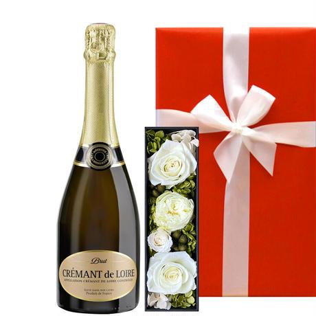 《お誕生日ギフト》【ワインとお花のギフト】フランスのスパークリングワイン「クレマン・ド・ロワール・ブリュット」と白を基調としたプリザーブドフラワー(OG35-DALT19)
