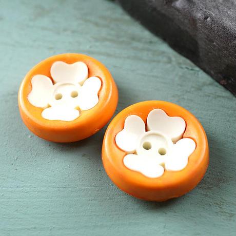 ◆2個◆【vi0146】アクリルヴィンテージボタン19mmオレンジフラワー
