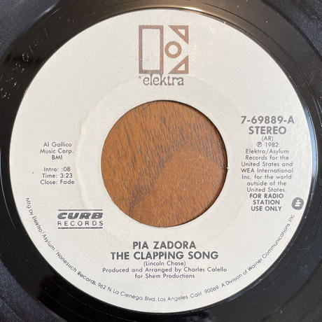 PIA ZADORA / The Clapping Song