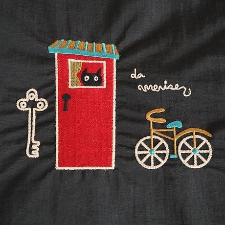 らむりーず刺繍ポーチ猫と自転車・大  (02-402)