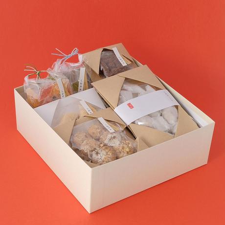 甘味こしらえ しおや/Amami-koshirae SHIOYA「しおやのお菓子詰め合わせ」