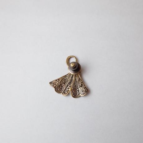 sasakihitomi/佐々木ひとみ「イチョウのピンブローチ」