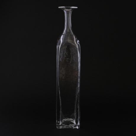 西山芳浩/NISHIYAMA Yoshihiro「四角ボトル」
