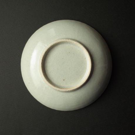 たくまポタリー/Takuma pottery「4寸皿 まる菊 やわグレー」