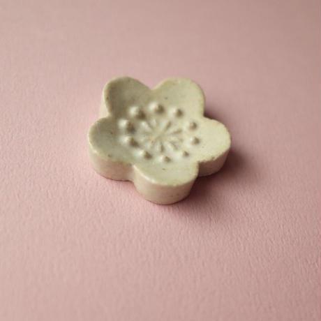 たくまポタリー/Takuma pottery「はしおき 梅」
