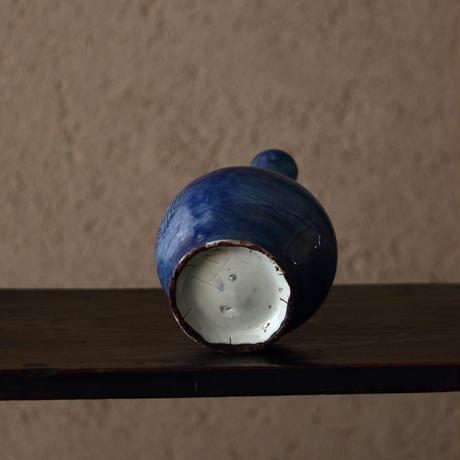 李朝瑠璃陰刻草花文瓶