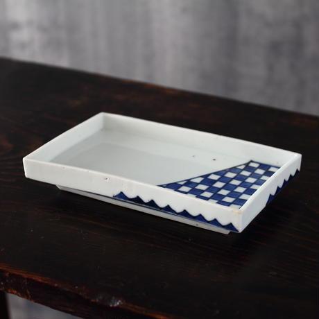 藍九谷市松文角皿
