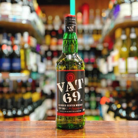 VAT69    (バット69) スコッチウイスキー 40度 700ml