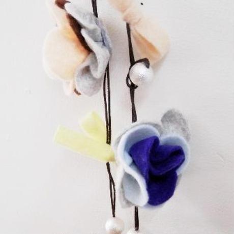 【ああ】フェルトとコットンパールのお花ネックレス PK&YE&BL P17-