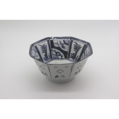 染付の八角鉢