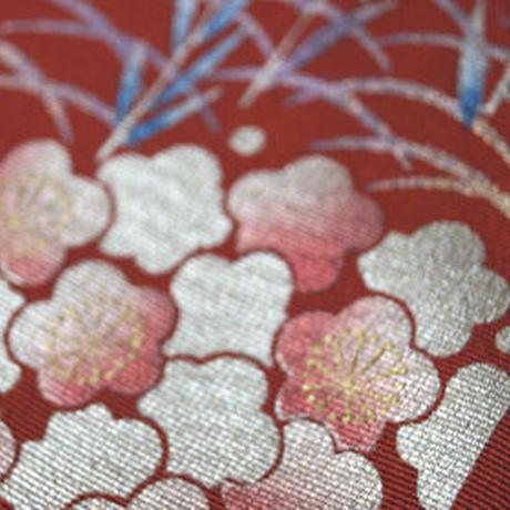 【半衿】朱色地 梅文 箔に刺繍半襟