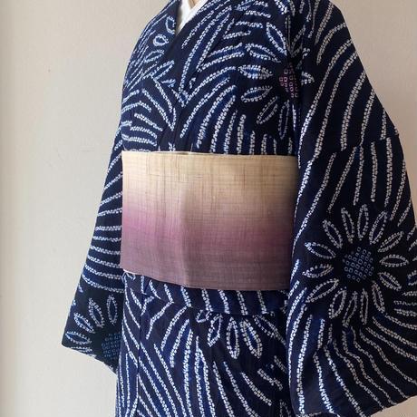 【浴衣】藍地に花文 絞りの浴衣