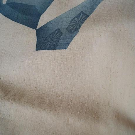 【なごや帯】薄灰梅色 紬地 型染め ひょうたん文 開きなごや帯