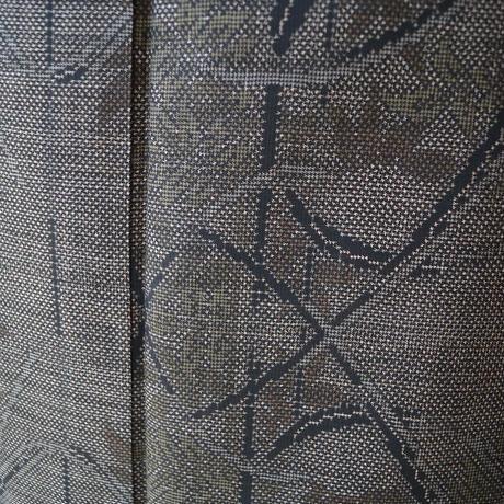 【袷】焦げ茶色地 植物柄 泥染め 大島紬