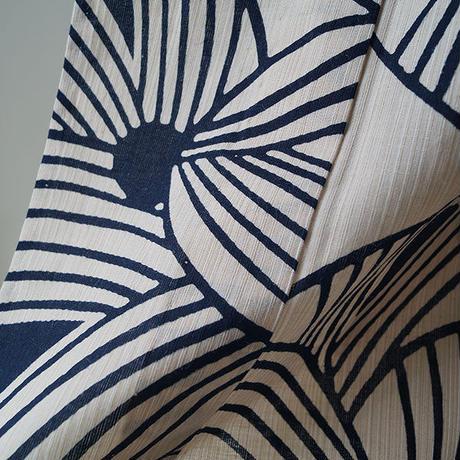 【浴衣】モノトーン 抽象的な花文の浴衣