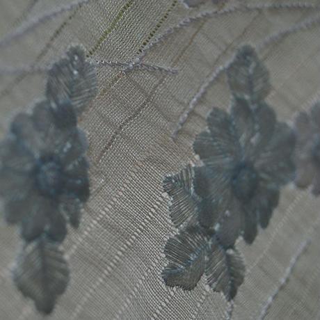 【半衿・絽】生成り色 小千谷縮 刺繍 半衿 花の吹き寄せ文