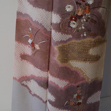 【袷】紫水晶色 絞りに花刺繍 附下げ