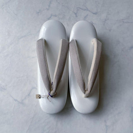 【草履】白地台×白鼠色無地花緒 草履