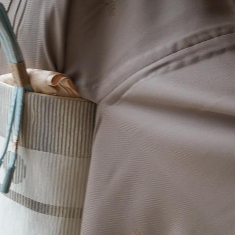 【単衣】淡空五倍子色 地 刺繍飛び柄 附下 5k101