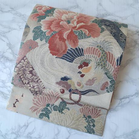 【ふくろ帯】生成り地に艶やかな花鳥文 ふくろ帯