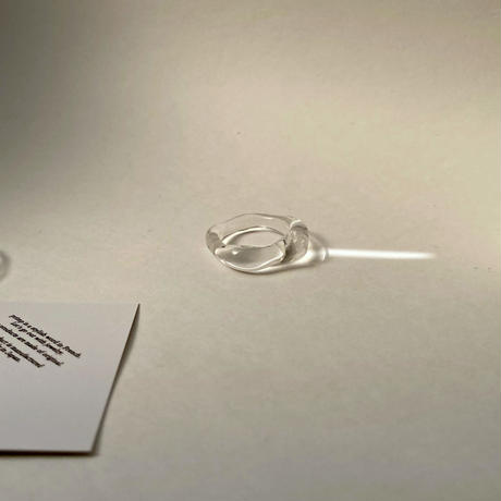 CLEAR WAVE RING