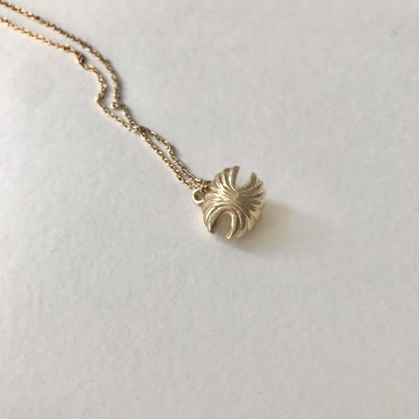 shell metal necklace
