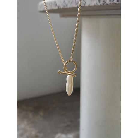 MANTEL PAEAL NECKLACE