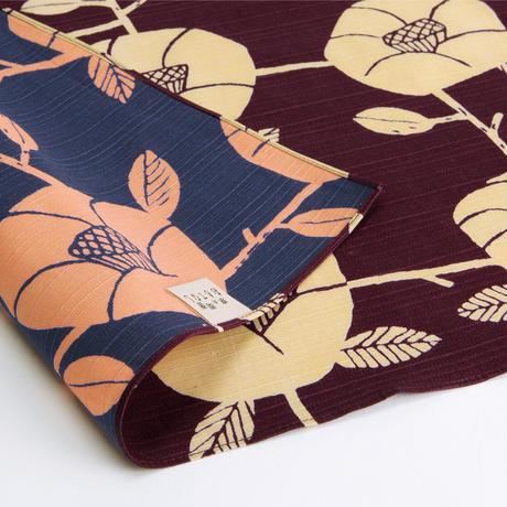 京の両面おもてなし ふろしき【中巾】椿<紫根色-しこんいろ>