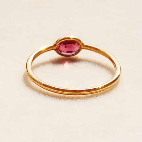 Touch you  { Ring }  sapphire red. K18