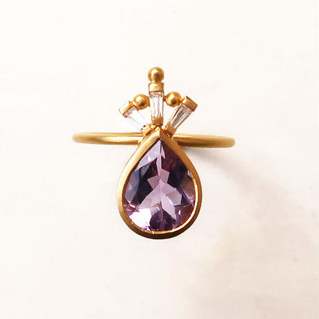 Peacock Crown  { Ring }  amethyst. natural zircon. K18