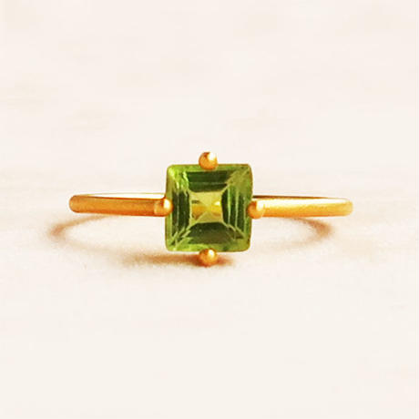 Individual Beauty  { Ring }  peridot. K18