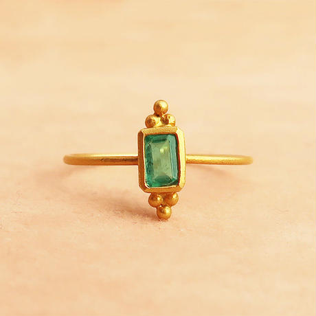 Cosmic Vibes / Square  { Ring }  emerald. K18