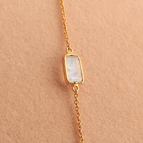 L.E.O.  { Necklace } aquamarine. rainbow moonstone. K10/K22GP