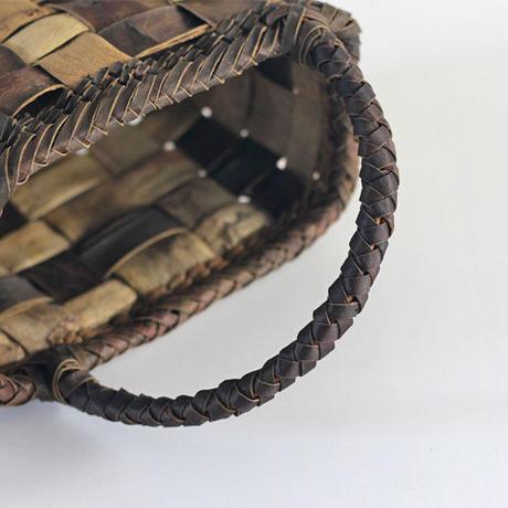 『斜めハンドル フト編み 市松 裏皮と表皮』沢胡桃のかごバッグ 25cm幅