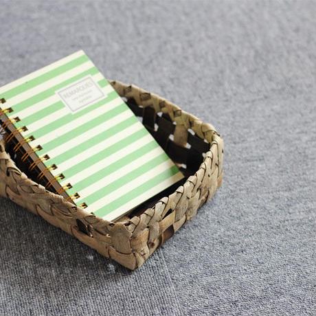 沢胡桃の置きかご  表皮 小物入れ  素朴な雰囲気 裏皮十字ライン